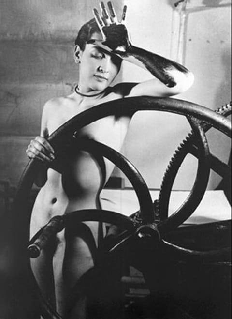 מאן ריי, תצלום של מרט אופנהיים, 1933, צילום, הדפס כסף