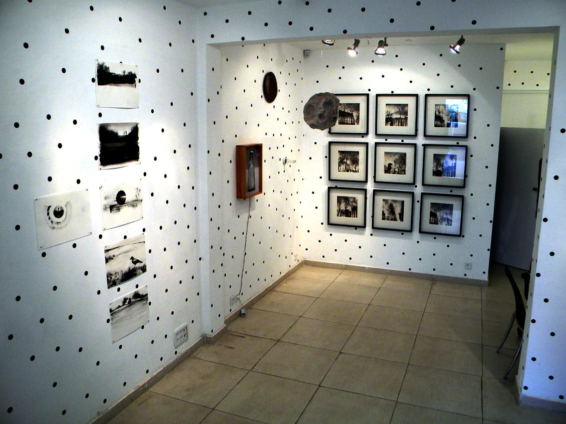 """החלל המנוקד, """"untitled dots com"""", גלריה משרד, תל-אביב"""